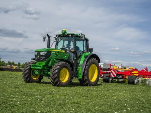 Traktor 6130M