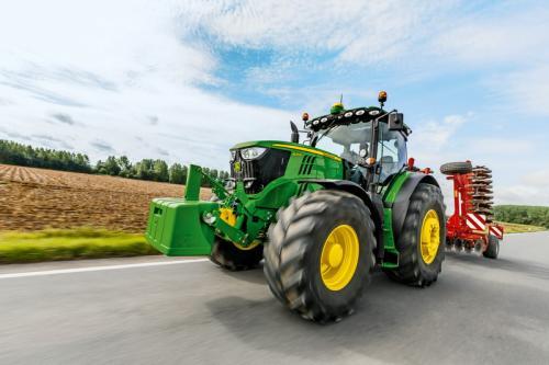 Traktor 6215R